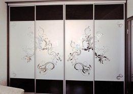 Двери шкафа купе матовые с рисунком