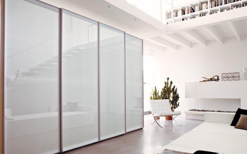 Дверь шкафа со стеклом