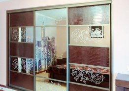 Шкафы купе комбинированные кожей и зеркалом
