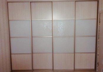 Шкаф купе комбинированный со стеклом