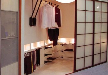 Встроенные шкафы купе в японском стиле