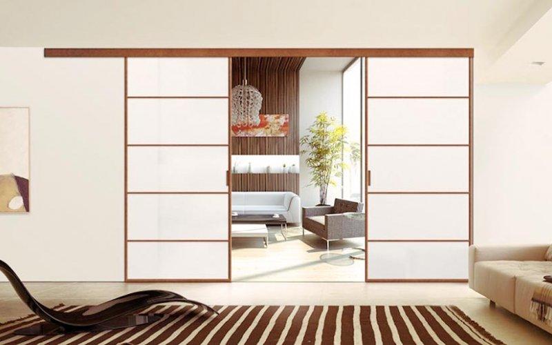 Двери купе между комнатами