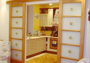 Межкомнатная дверь купе на кухню