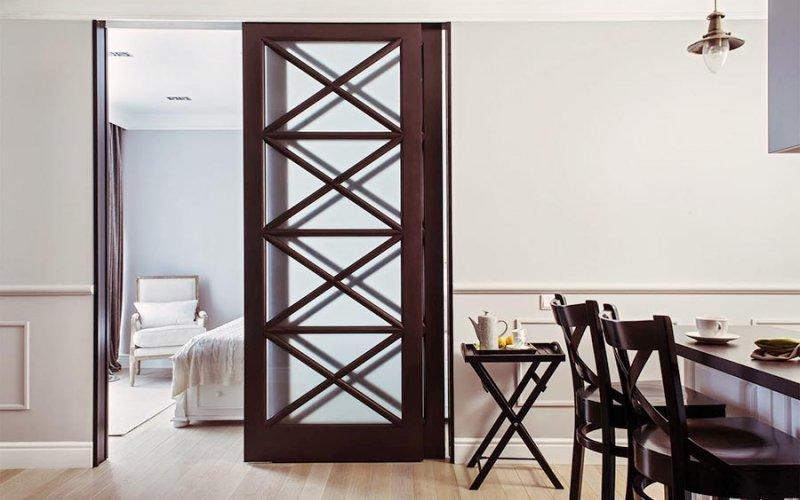 Межкомнатная дверь купе стекло