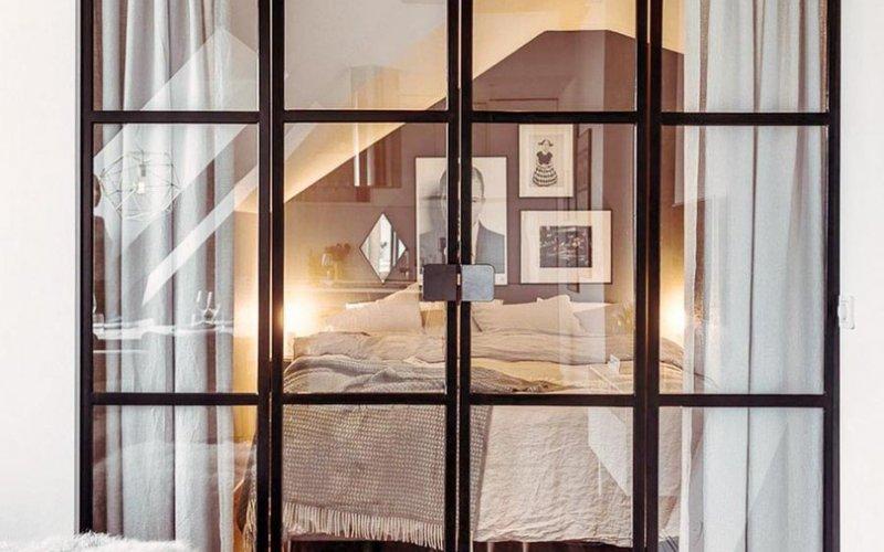 Межкомнатные купе двери со стеклами
