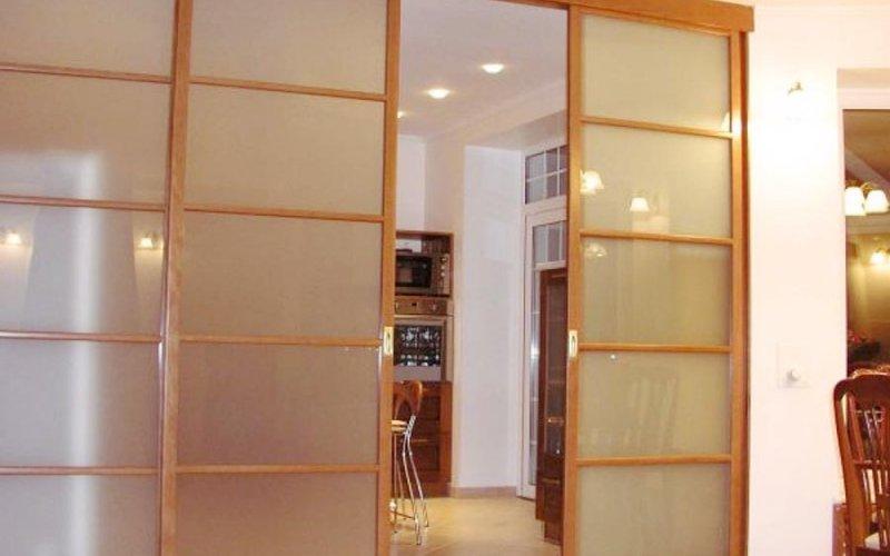 Перегородка для зонирования комнаты двери