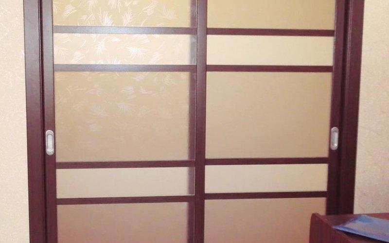 Двери перегородки из дерева