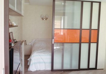 Сдвижные перегородки для квартиры