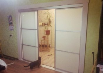 Раздвижные двери для перегородки в комнате