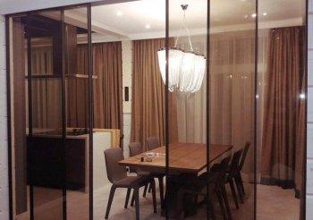 Разделение зоны комнаты раздвижными дверями