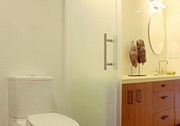 Раздвижные двери в санузел и ванную комнату