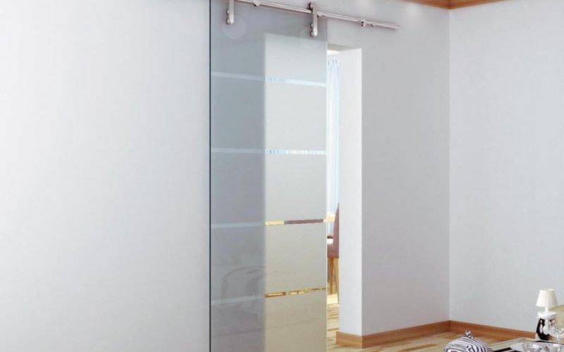 Стеклянные раздвижные двери в нишу