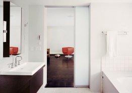 Раздвижная матовая стеклянная дверь