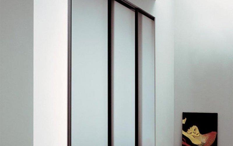 Трехстворчатые раздвижные двери